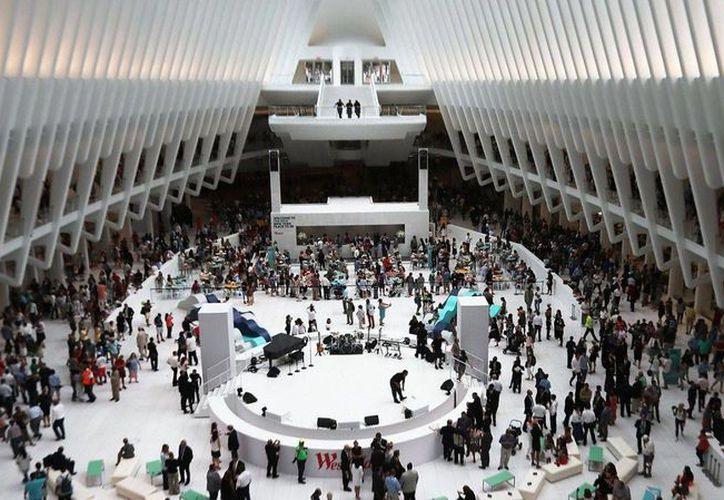 El 'Oculous' del arquitecto español Santiago Calatrava, ocupará la llamada Zona Cero de Nueva York. Ahí se instalarán comercios como Apple y Sephora. (newsday.com)