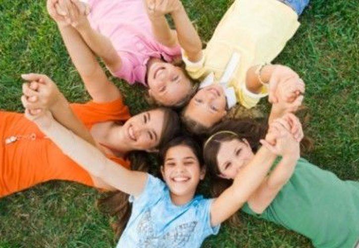 Los espacios públicos ofrecen a los niños y jóvenes la posibilidad de volverse responsables. (serpadres.com)