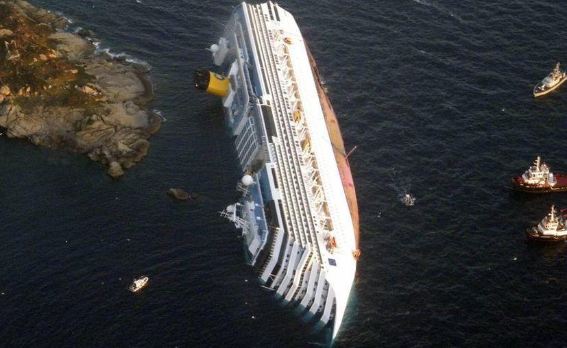 El naufragio del Costa Concordia ocurrió el 13 de enero de 2012 frente a la isla italiana del Giglio. (Agencias)