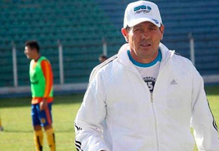 Mauricio Soria fue director técnico, durante año y medio, en Potosí, ciudad a la cual ofendió con un comentario. Soria estaba por ser nombrado entrenador del seleccionado nacional, pero ya es historia. (erbol.com.bo)