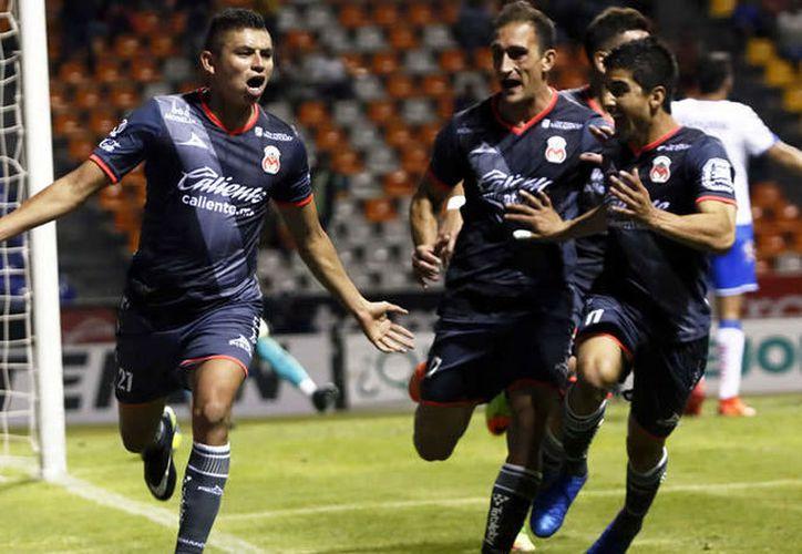 Para la semana 3 del futbol mexicano, 'La Franja' visitará a Tiburones Rojos de Veracruz; mientras, la monarquía recibirá a Santos Laguna en el Morelos.(Mexsport)