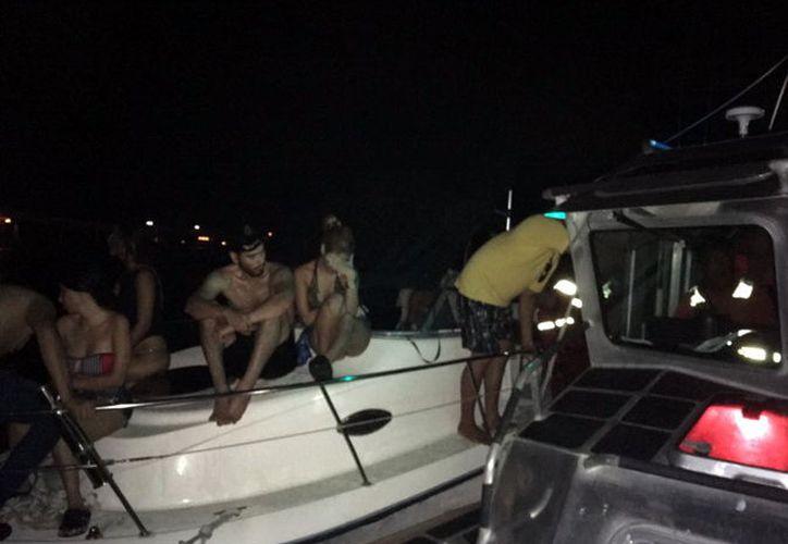 En el yate se encontraban 9 personas que fueron rescatadas en buen estado de salud. (Milenio Novedades)
