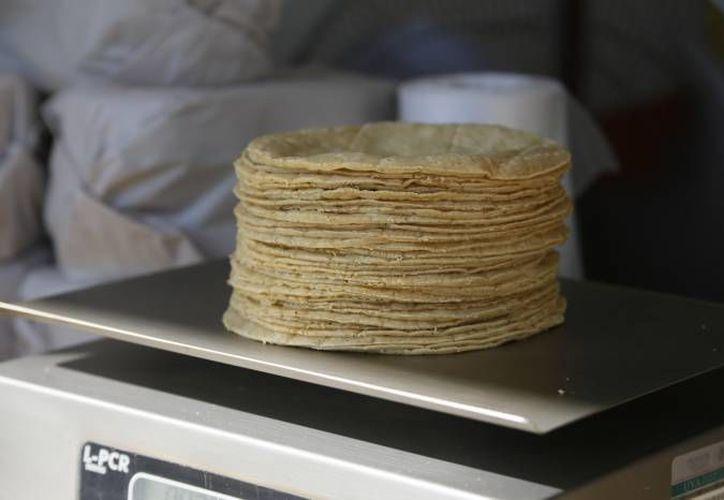 La Cofepris envió a laboratorio 21 muestras de alimentos preparados. (Consuelo Javier/SIPSE)