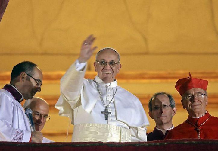 Jorge Bergoglio asumió entonces el Pontificado bajo el nombre de Francisco en marzo. (Agencias)