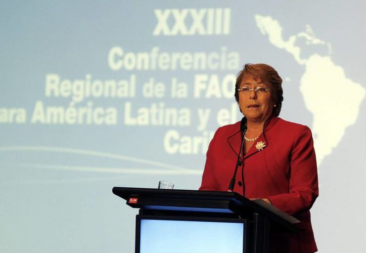 El escándalo inmobiliario en el que está implicado su hijo ha golpeado severamente la popularidad de la presidenta Bachelet. (EFE)