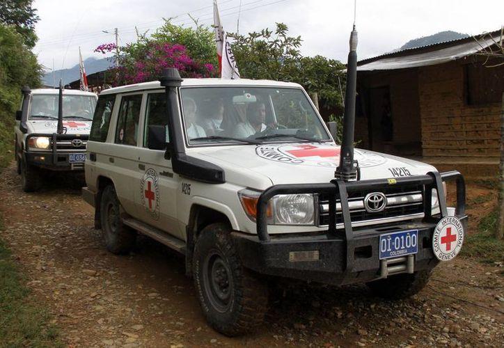 El rebelde ELN entregó hoy al CICR a dos geólogos peruanos y tres colombianos. (Agencias)