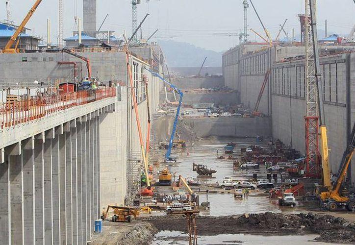 Vista general de las obras de ampliación del Canal de Panamá, el cual se tiene planeado que entre en operación el mes de abril de 2016. (Archivo/EFE)