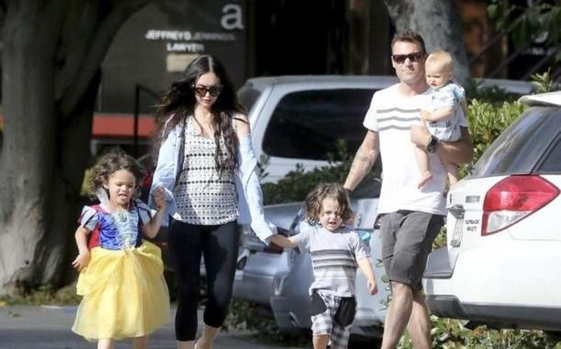Megan Fox causa polémica al vestir a su hijo como princesa