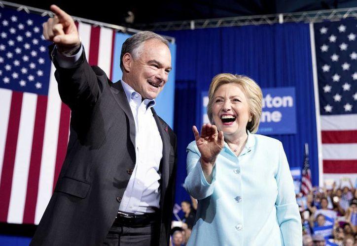 Clinton asegura que el Partido Demócrata presentará una visión muy distinta de Estados Unidos. (AP)