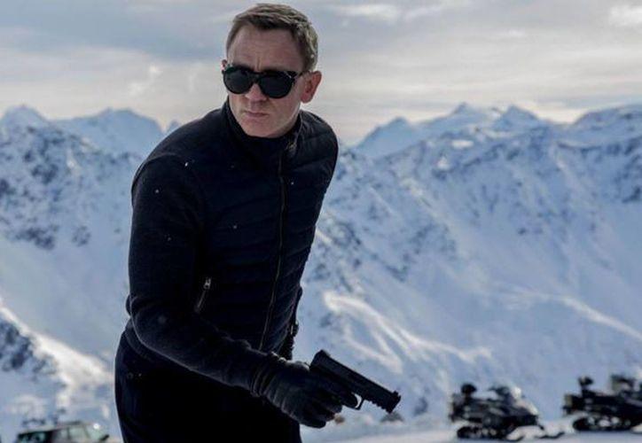 Daniel Craig se enfrentará al villano Oberhauser (Christoph Waltz) en el nuevo filme del agente 007, Spectre. (Foto de sonypictures tomada de esquire.com)