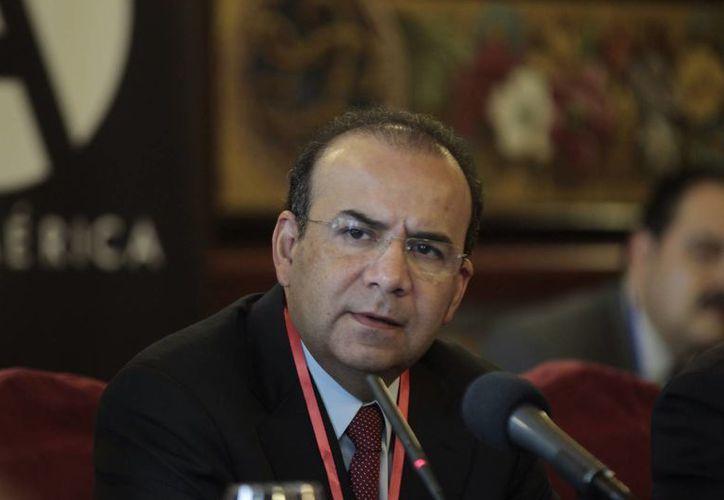 Alfonso Navarrete Prida, secretario del Trabajo de México, llamó a Brasil y Argentina a debatir sobre las políticas de empleo y crecimiento económico. (Notimex)