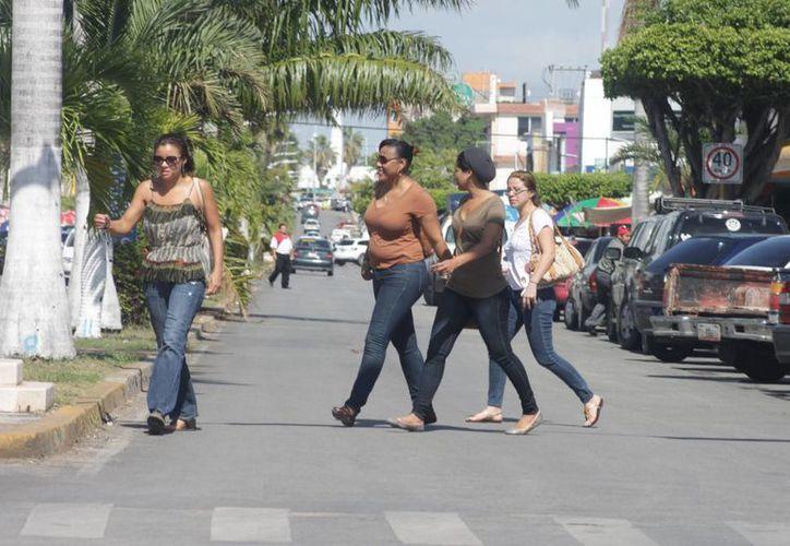 Cada año Chetumal recibe entre 900 mil y un millón de visitas de beliceños. (Harold Alcocer/SIPSE)