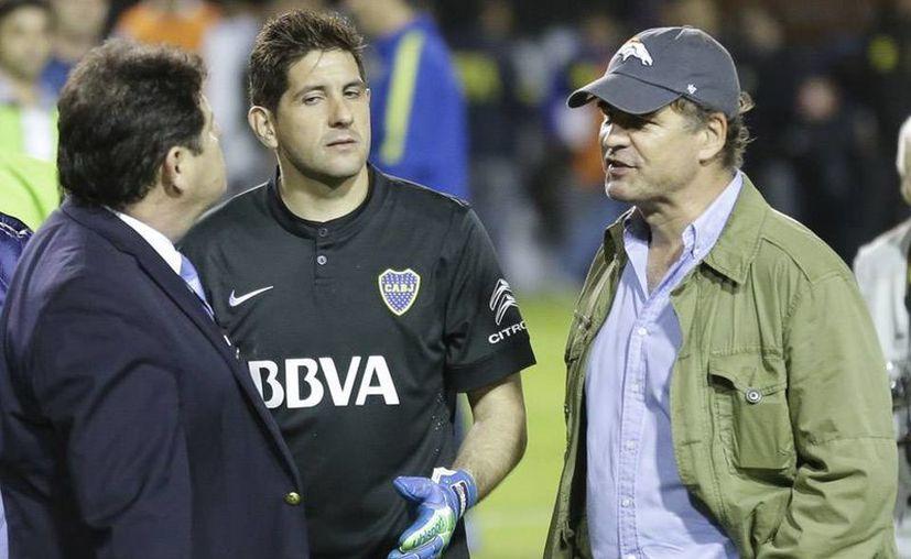 El empresario argentino Alejandro Burzaco (d) tendrá que pagar 20 mdd en fianza por sobornos relacionados con varias Copas América. (Foto de archivo de lanacion.com.ar)