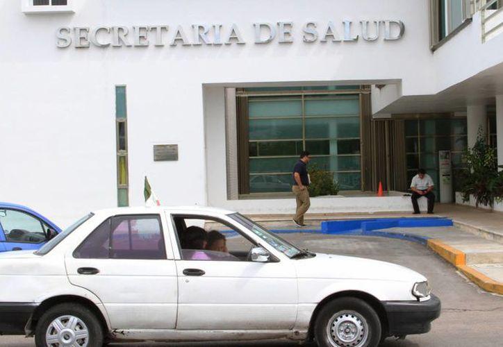 A nivel nacional hay más de 100 mil trabajadores de los servicios de salud . (Ángel Castilla/SIPSE)