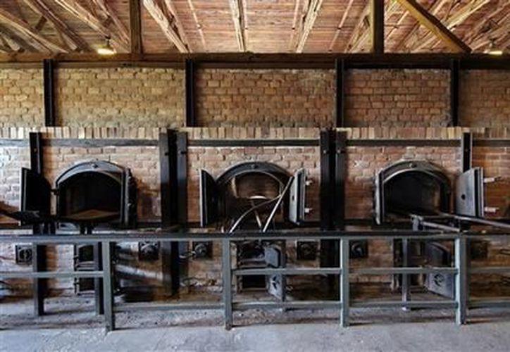 Hornos de cremación en una fotografía sin fecha proporcionada por el museo estatal de Majdanek en Lublin, Polonia. (Agencias)