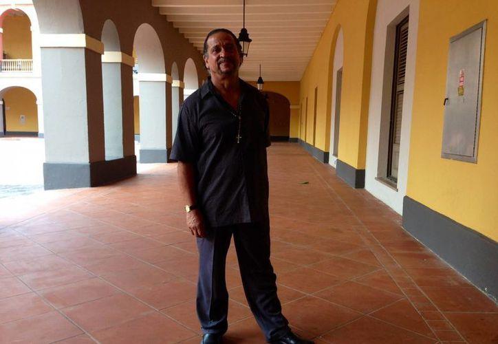 El puertorriqueño Juan Meléndez posa durante la entrevista, en San Juan, Puerto Rico, donde se realiza la XIII Asamblea Anual de la Coalición Mundial contra la Pena de Muerte. (EFE)