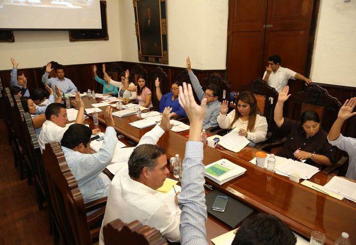 Sesión de Cabildo celebrada este martes en Mérida. (SIPSE)