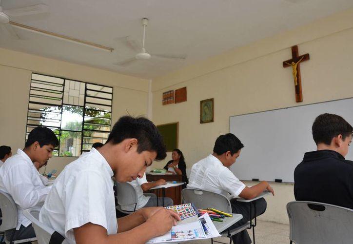 El curso introductorio para ser sacerdote tiene duración de un año. (Gerardo Amaro/SIPSE)