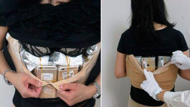 El nuevo contrabando: intentar esconder más de 100 iPhone en tu ropa