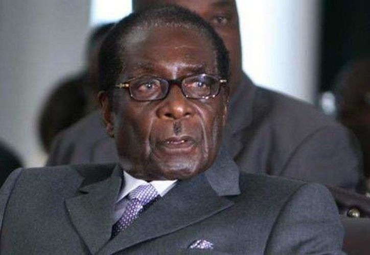 El presidente de Zimbabue prometió que los atletas olímpicos pagarán el dinero recibido. (okdiario.com)