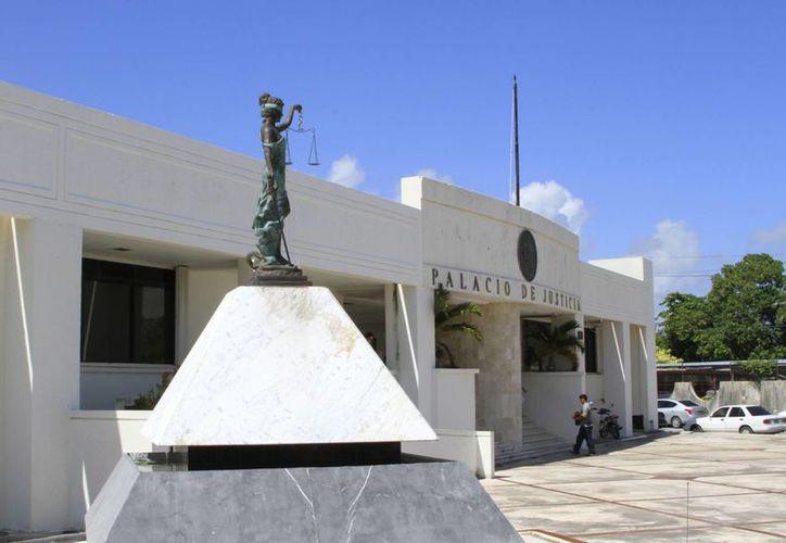 El presidente del Tribunal Superior de Justicia del Estado, Fidel Villanueva Rivero, se dice dispuesto a ser investigado. (Carlos Horta/SIPSE)