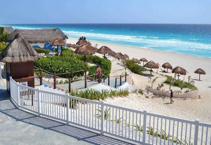 Diversas áreas vacacionales de Cancún son remodeladas para el fácil acceso de personas con alguna discapacidad. (Redacción/SIPSE)