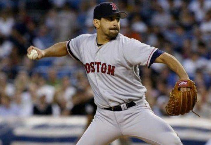 Castillo, originario de El Paso, Texas, hizo su debut en Grandes Ligas en 1991. (foxnews.com)
