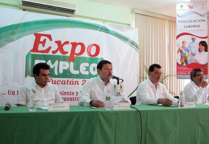 Funcionarios estatales y federales anunciaron la Expo Empleo 2013. (SIPSE)
