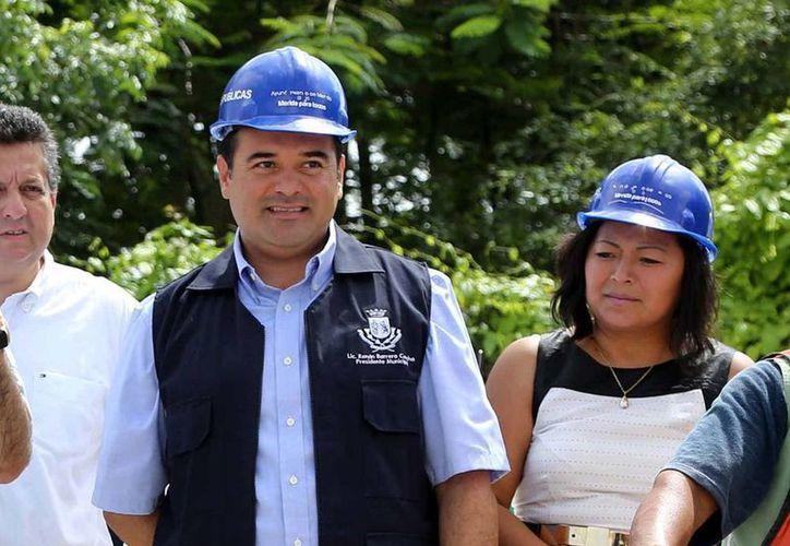 El alcalde de Mérida, Renán Barrera, recorrió ayer obras en la ciudad. (SIPSE)