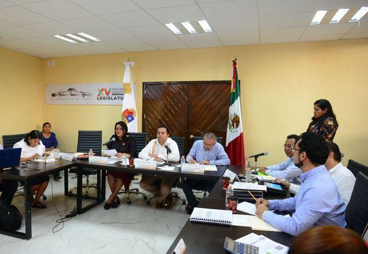 Las autoridades continúan revisando las cuentas del gobierno anterior. (Joel Zamora/SIPSE)