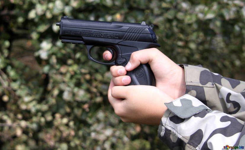 Niños de hasta 10 años comienzan a portar armas al ingresar a grupos delictivos.  (tOrange/Imagen ilustrativa)