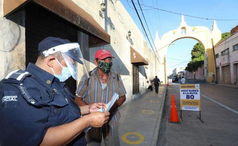 Comenzaron a funcionar desde la mañana de este domingo las nuevas zonas de ascenso y descenso del transporte público. (Novedades Yucatán)