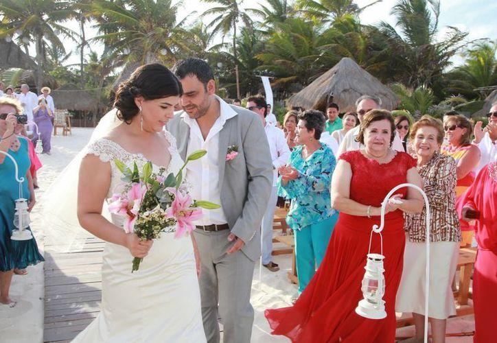 El paisaje de las playas es apto para las bodas. (Tomás Álvarez/SIPSE)