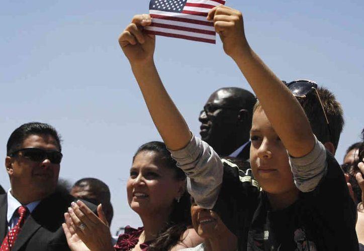 Unos 1.7 millones de inmigrantes indocumentados podrían beneficiarse con este programa. (Archivo/AP)