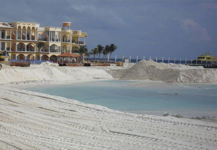 La recuperación de playas que comenzó a operar en 2010. (Archivo/SIPSE)