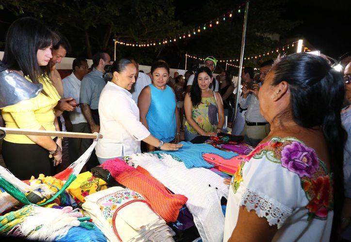 La Presidenta Municipal invitó a todos a que asistan los viernes, sábados y domingos a partir de las 18 horas al Callejón del Arte. (Redacción/SIPSE).
