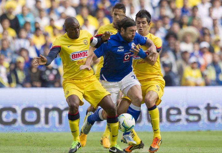 El Cruz Azul ganaba 2-0 en el marcador global, pero el América le empató en tiempo de reposición y obligó a llegar a los penales. (starmedia.com/Archivo)