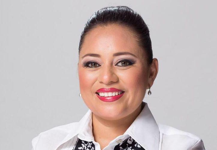 Perla Tun defendió el proyecto Smart City. (Foto: Contexto/Sipse)