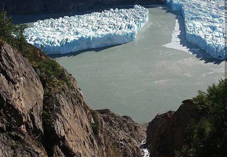 El INACH comenzó un monitoreo satelital para dimensionar el trozo de hielo desprendido. (Foto: Ahora Noticias)