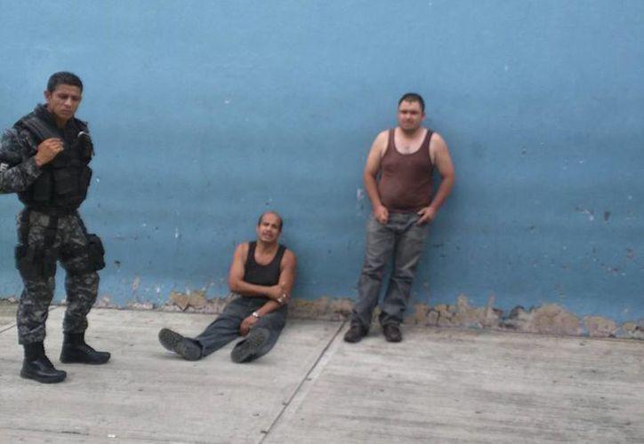 Los hombres que atacaron con un perro pitbull a una perrita en Tlaquepaque fueron detenidos. (excelsior.com.mx)
