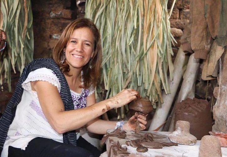Margarita Zavala arrastra el estigma de haber sido la esposa del presidente. La carga, aunque ella no lo explicite, la persigue a lo largo del libro. (facebook.com/pg/MargaritaZavalaMX)