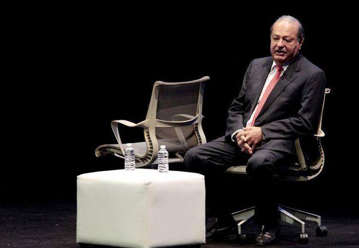 Carlos Slim ha figurado en reiteradas ocasiones entre los hombres más ricos del mundo gracias a la fortuna que amasó con sus empresas en telecomunicaciones. (Archivo/Agencias)