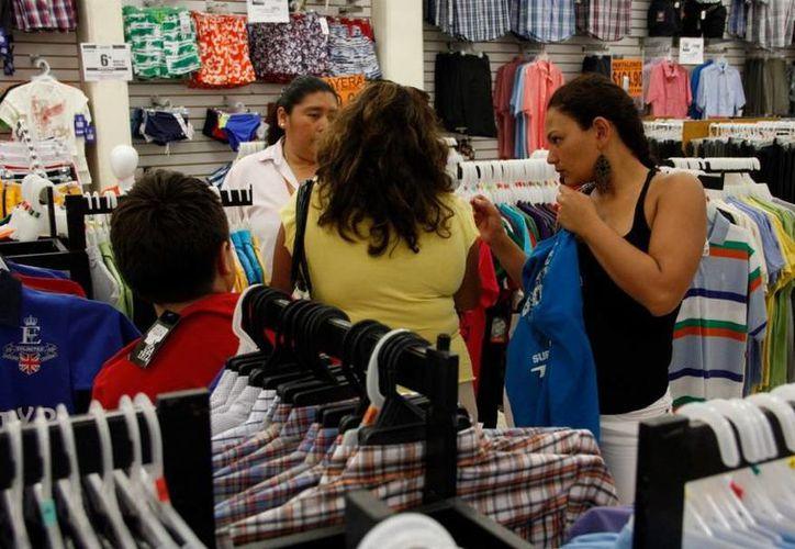 Por lo general la compra compulsiva suele comenzar a los 18 años. (Tomás Álvarez/SIPSE)