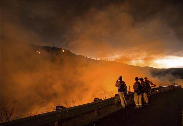 El incendio en Washington es uno de los varios siniestros que arden en estados del oeste de Estados Unidos, como Oregon, Idaho y California (Archivo/ EFE)