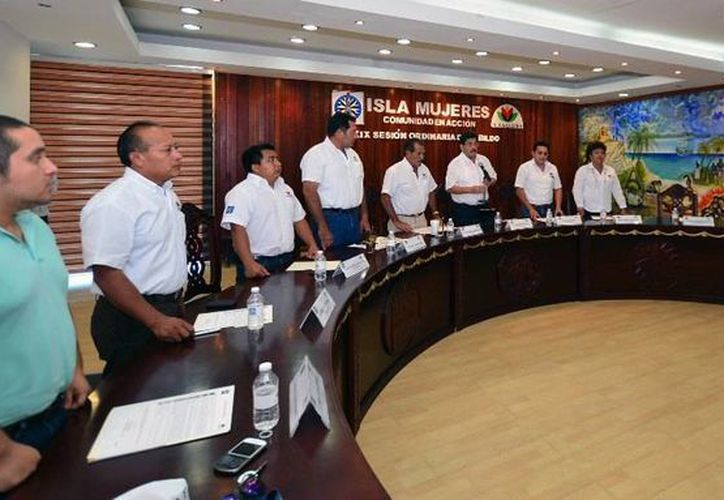 Se aprobó la iniciativa de decreto que reforma y adiciona diversas disposiciones del Reglamento de Tránsito del Municipio de Isla Mujeres. (Redacción/SIPSE)