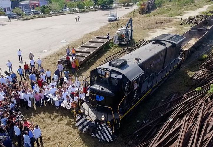 """Los trabajos en las vías son parte del proyecto denominado nuevo parque """"La plancha"""". (SIPSE)"""