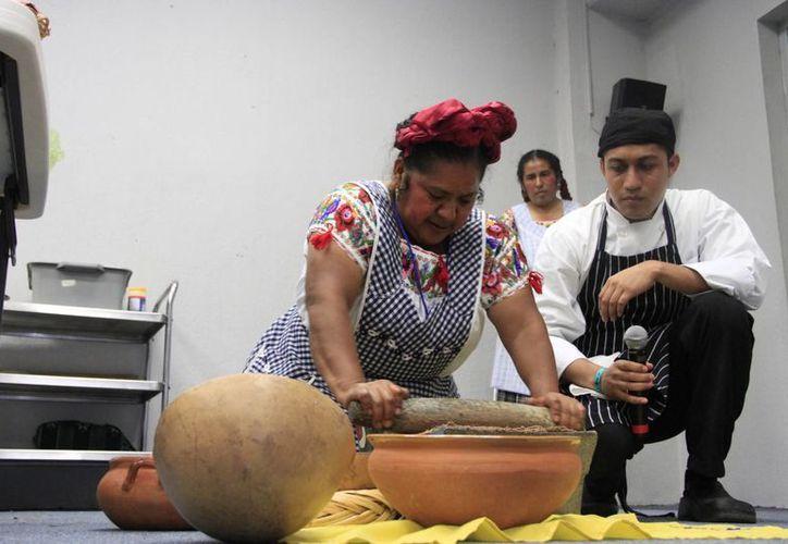 La famosa cocinera zapoteca Abigail Mendoza Ruiz. (Tomás Álvarez/SIPSE)
