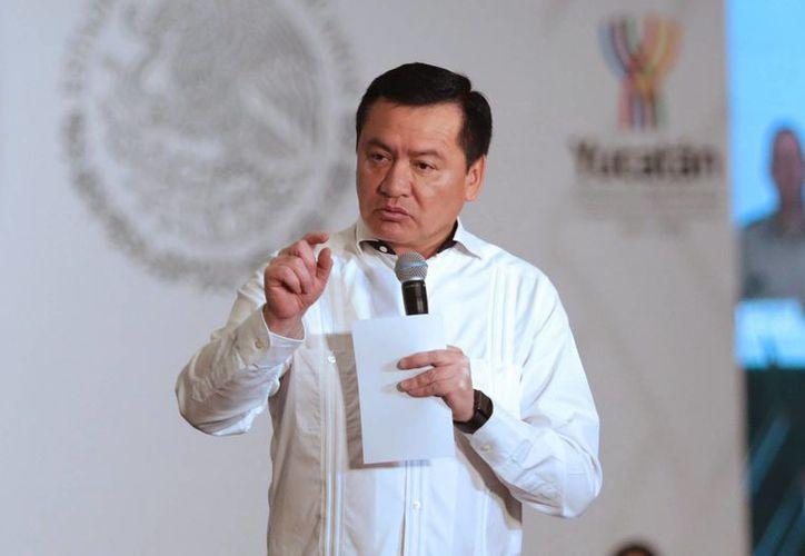 El secretario de Gobernación, Miguel Ángel Osorio Chong, dijo que la gente que quiere mezclar las detenciones de los líderes magisteriales con temas políticos están totalmente equivocados. (Archivo/Notimex)