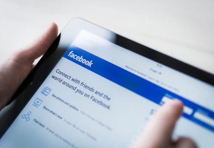 Facebook decidió eliminar la herramienta Explore Feed. (Foto: unComo)