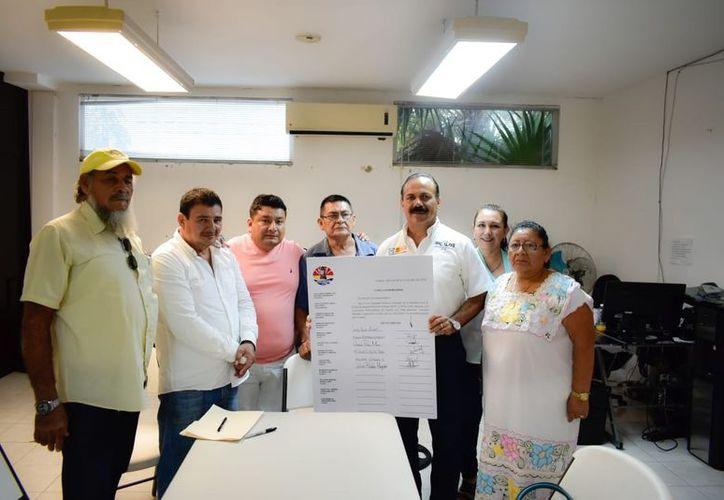 Julián Ricalde Magaña se comprometió a gestionar recursos para la construcción del Museo la Historia. (Foto: Redacción)